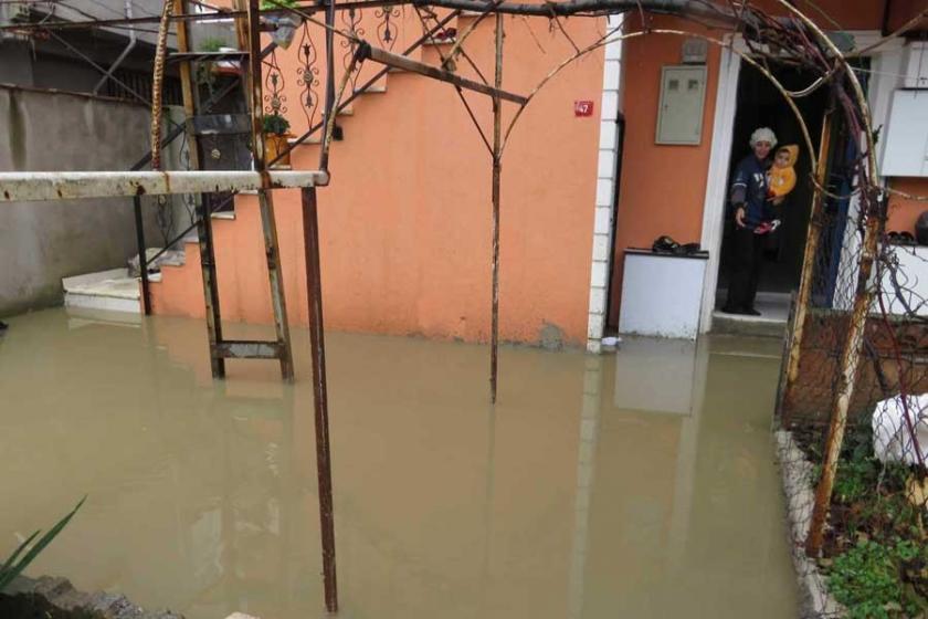 Sancaktepe'de 10 evi su bastı