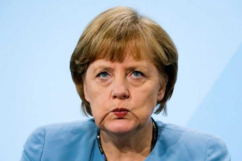 Merkel yine aday: Ama bu kez mecburiyetten