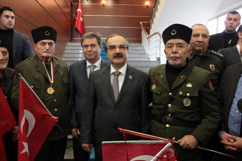 Sakarya Valisi Coş'a destek: İşte ordu, işte komutan!