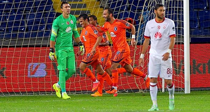 Galatasaray'a bu defa da Başakşehir 4 attı