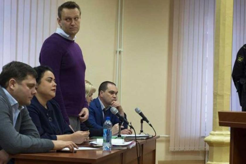 Rus muhalefet lideri 'yolsuzluk' davasında suçlu bulundu