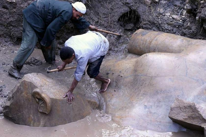 Mısır'da 2. Ramses'e ait dev heykel bulundu
