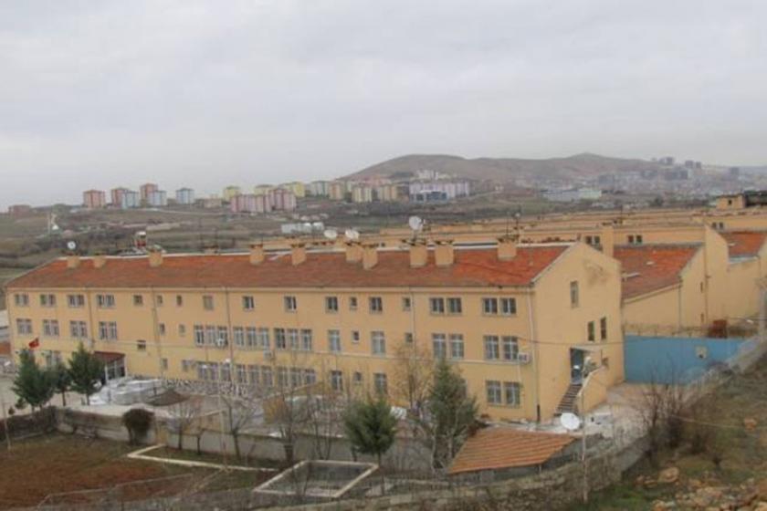 Elazığ Cezaevi'nde 'çıplak arama' dayatması