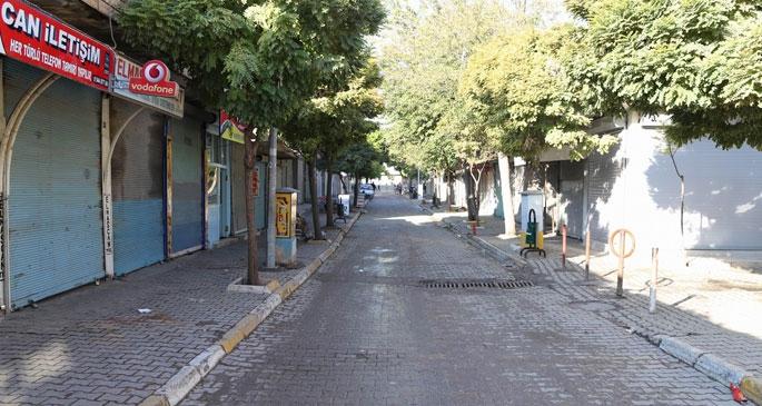 Suruç'ta kepenkler Kobanê için kapalı kaldı