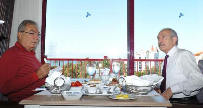 Kılıçdaroğlu ve Baykal kahvaltıda bir araya geldi