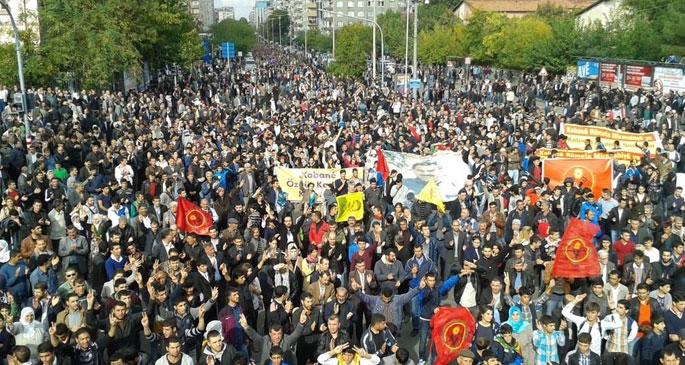 Diyarbakır'da on binler Kobanê için yürüdü