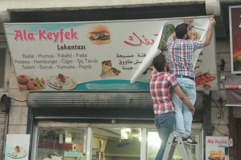 Hatay'da belediyenin Arapça tabela yasağına tepki