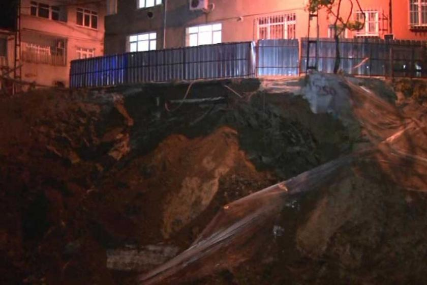 Eyüp'te istinat duvarı çöktü, mahalleli sokağa döküldü