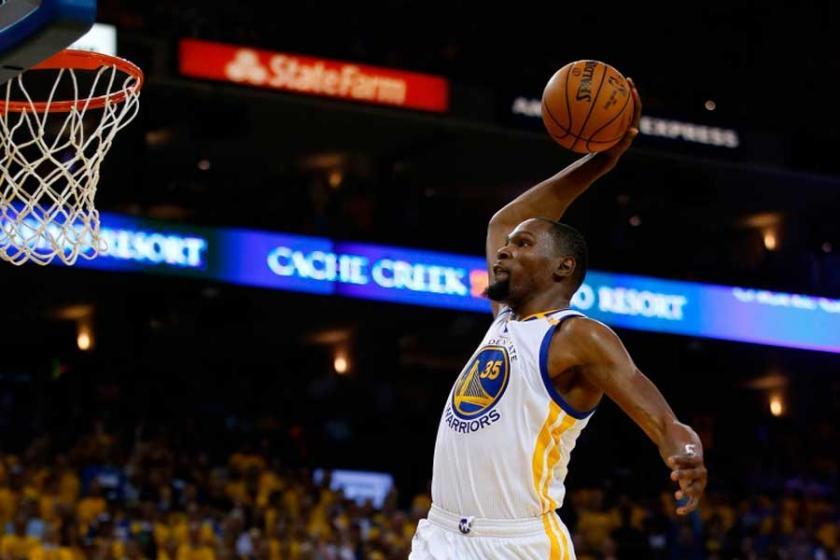 Warriors ilk maçta Cavs'i rahat geçti