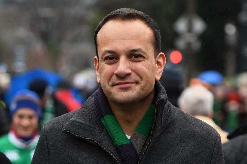 İrlanda'nın ilk eşcinsel başbakanı göreve başladı