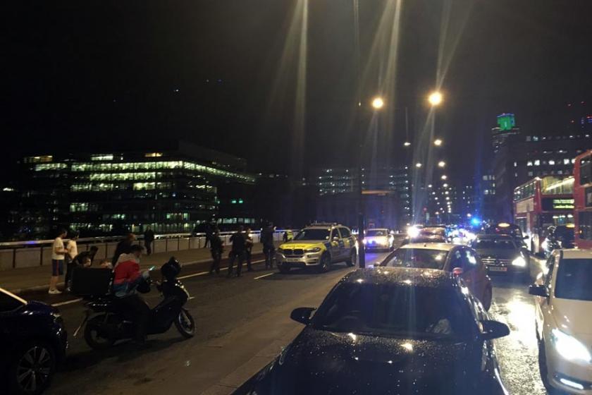 Londra'da bir araç kalabalığa daldı: 8 ölü