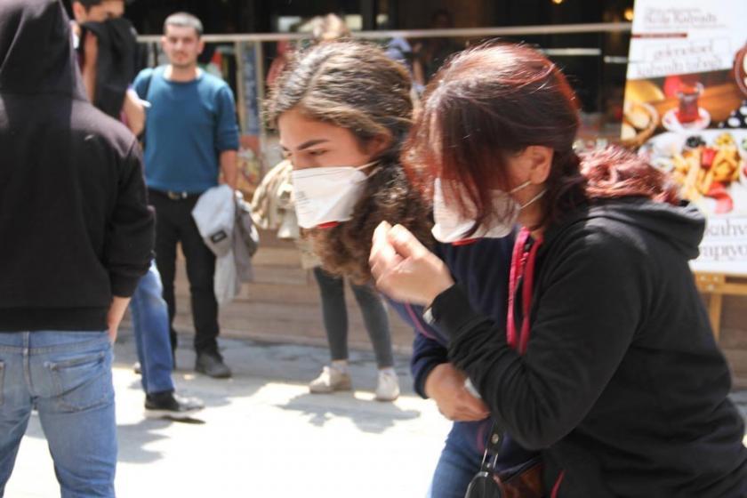 Açlık grevi eylemine polis saldırdı, Esra Özakça fenalaştı