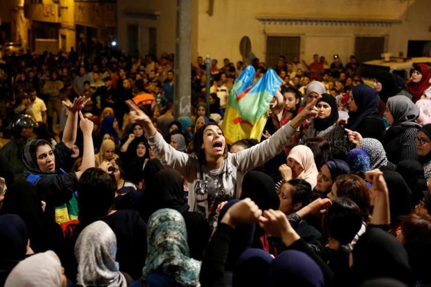 'Saray hastane sözü verdi ama  halk demokrasi de istiyor'
