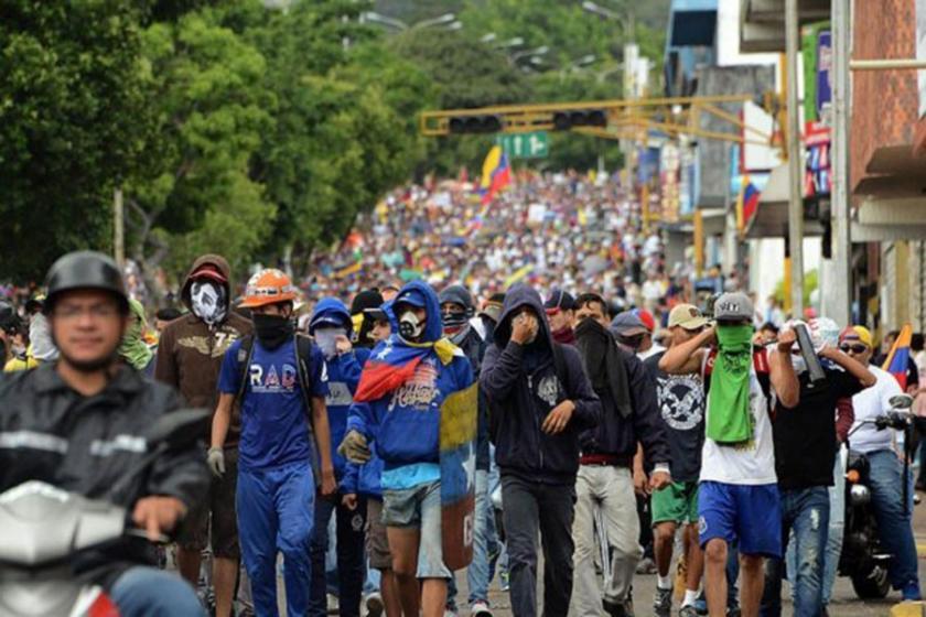 CIA itirafı: ABD, Venezuela hükümetini devirmeye çalışıyor