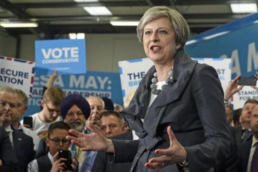 Theresa May: Gerekirse insan hakları yasalarını değiştiririz