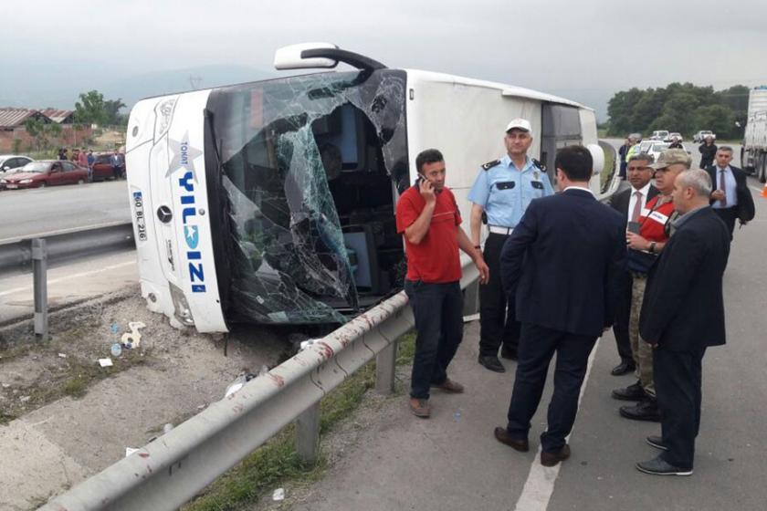 Askerleri taşıyan otobüs kaza yaptı: 47 yaralı