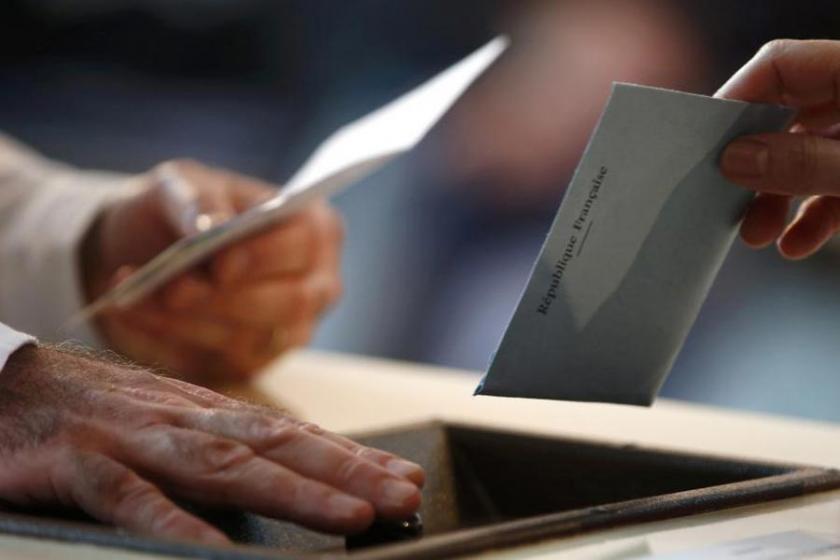 Fransa'da parlamento seçimlerini Macron'un partisi kazandı