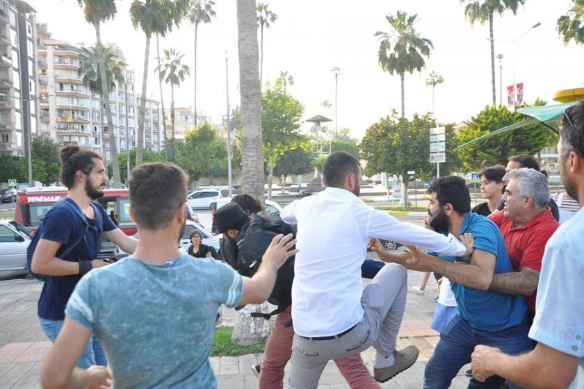 Mersin'de LGBTİ'lerin Onur Haftası etkinliğine dinci saldırı