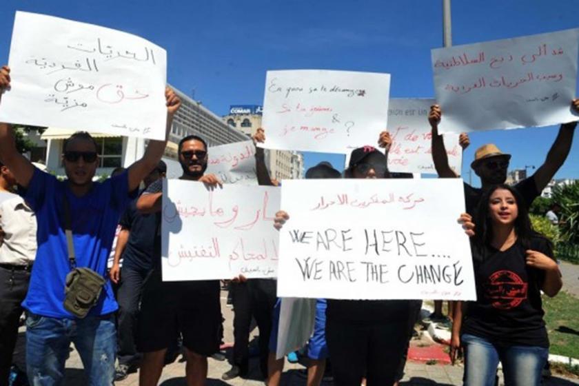 Tunus'ta oruç tutmayanların tutuklanması protesto edildi