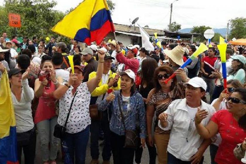 Kolombiya'da öğretmen grevi sürüyor