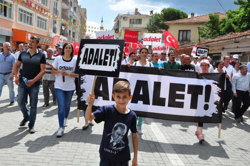 CHP'nin İzmir'den başlattığı 'Adalet Yürüyüşü' sürüyor