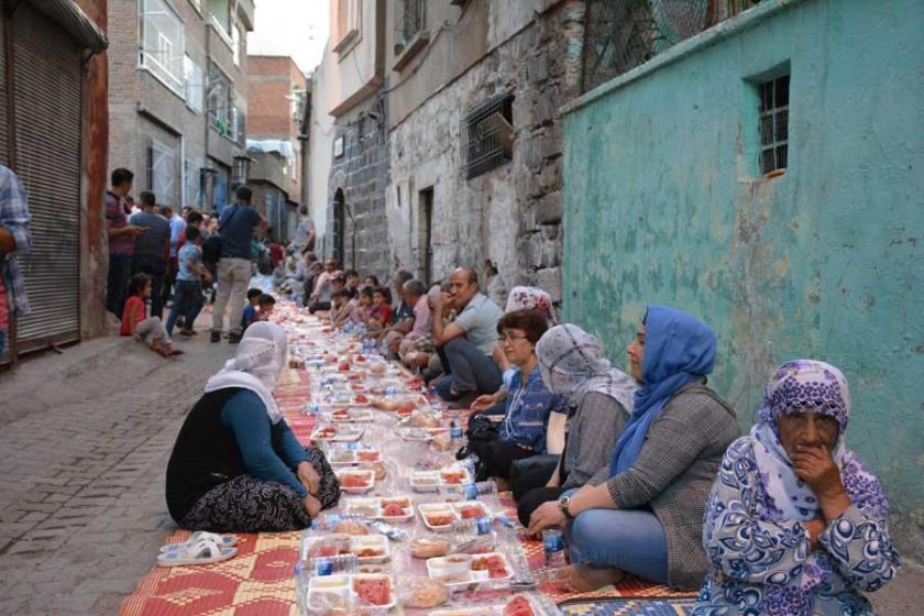 İstanbul Kent Savunması'ndan Sur'a dayanışma ziyareti