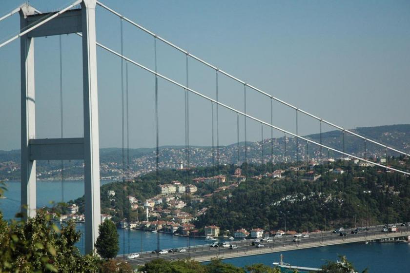 Köprü ve otoyollar bayramda ücretsiz