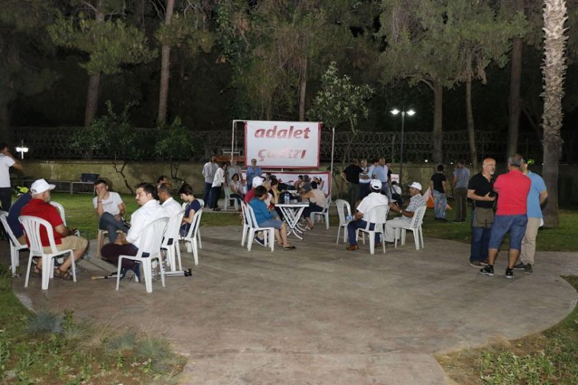 Antalya'da adalet çadırından sonra sandalyeler de yasaklandı