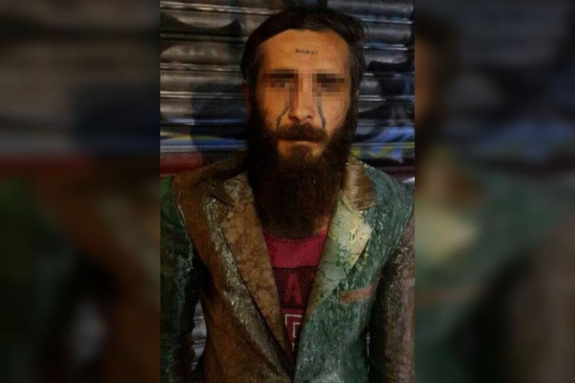Alnında 'enayi' yazan uyuşturucu satıcısı serbest bırakıldı