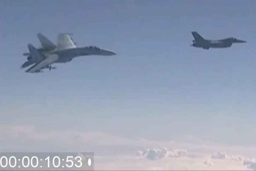 NATO ile Rus uçağı arasındaki 'it dalaşı'nın görüntüleri