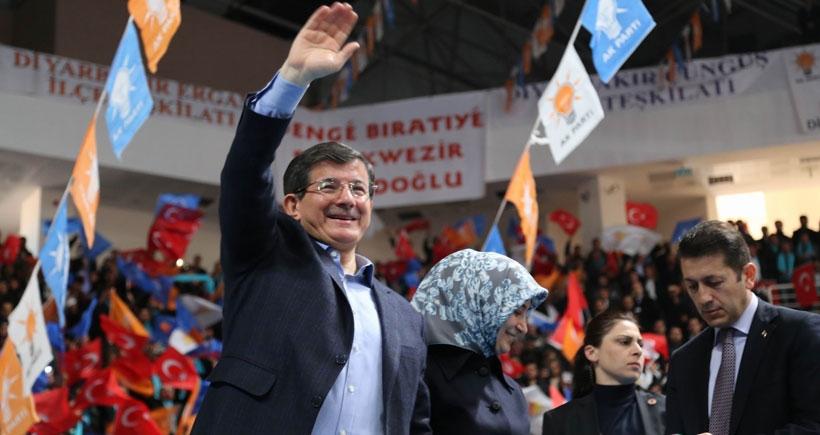 Davutoğlu Kobanê'ye 'selam' gönderdi!