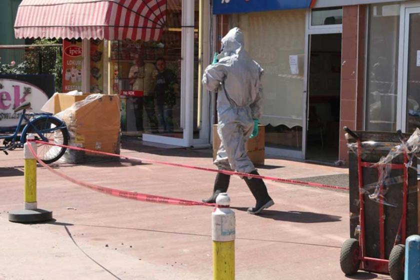 Paketten sızan kimyasal 2 işçiyi etkiledi