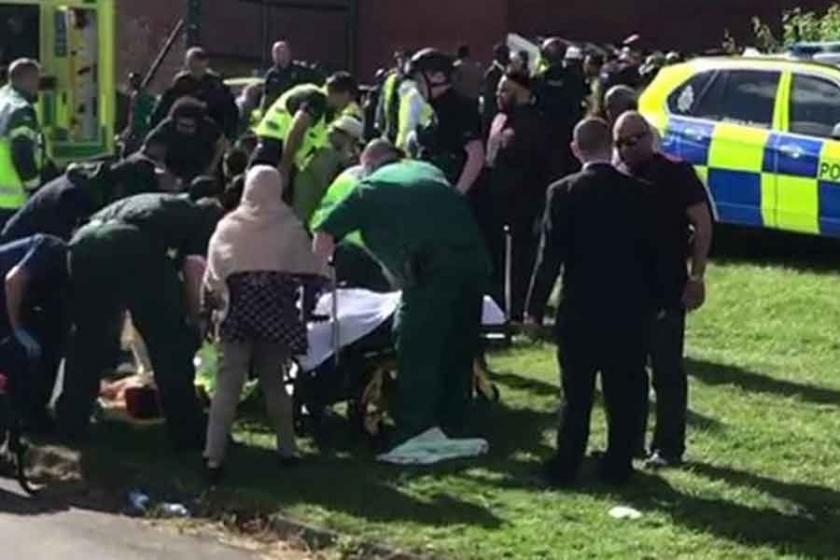 İngiltere'de bir araç bayramlaşanlara çarptı: 6 yaralı