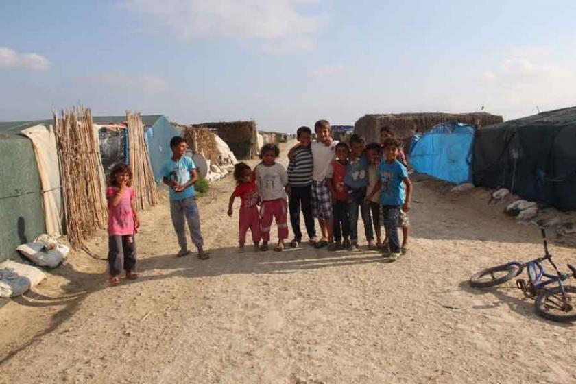 Mülteci çocukların bayramı 'çadırla tarla arasında'