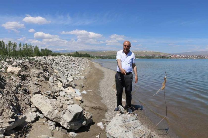 Van'da kayyım belediyesi sahile binlerce ton hafriyat döktü