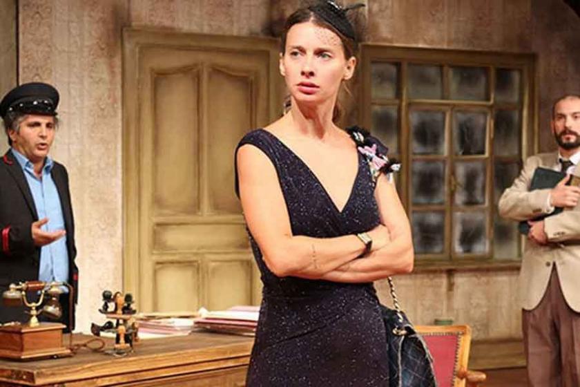 Maria Puder tiyatro sahnesinde