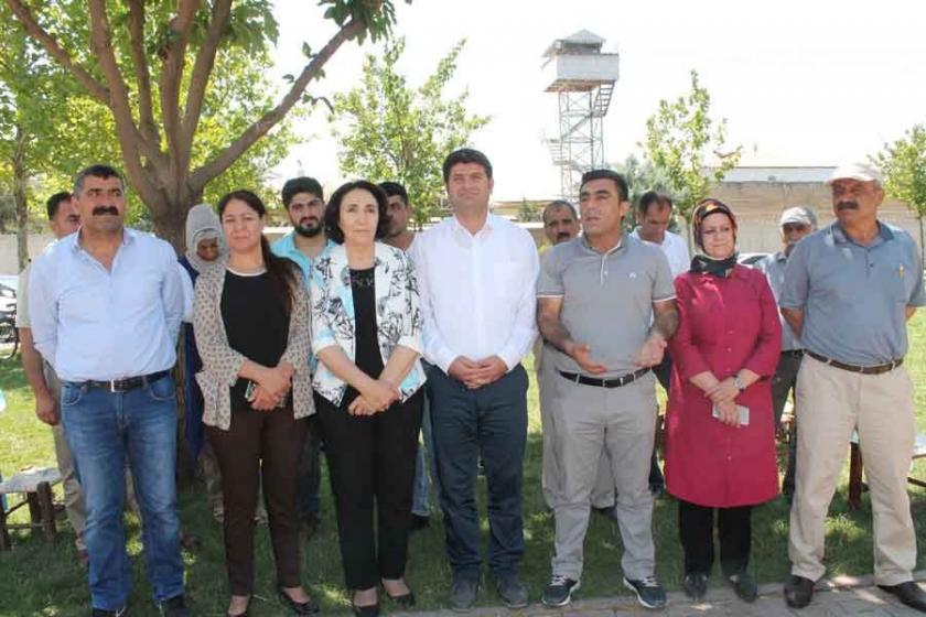 Tutuklular için cezaevi önünde açıklama