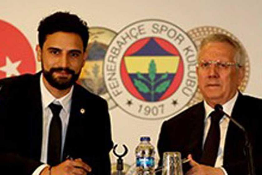Mehmet Ekici, Fenerbahçe'ye imzayı attı