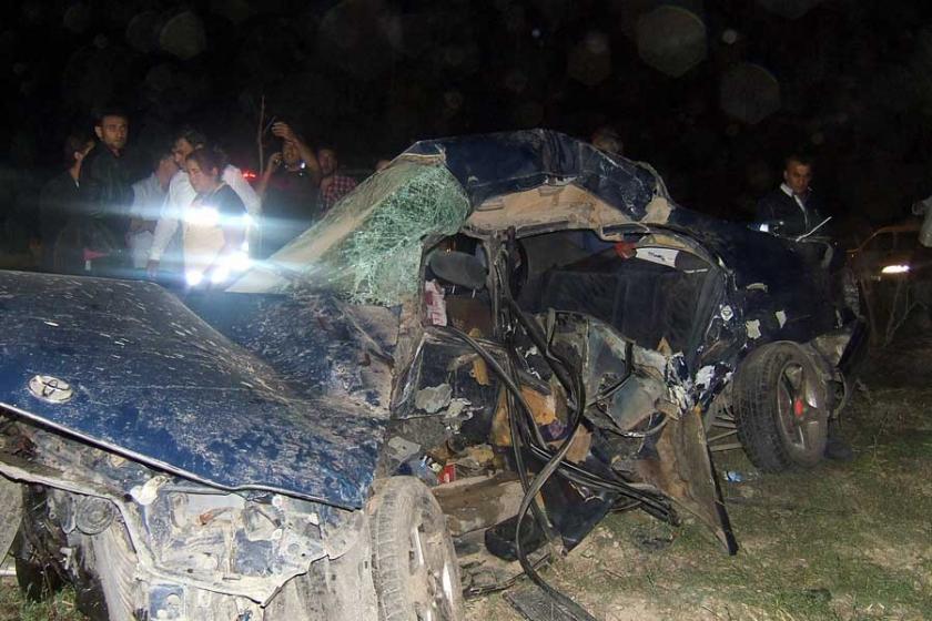 Afyon'da trafik kazası: 4 ölü, 3 yaralı