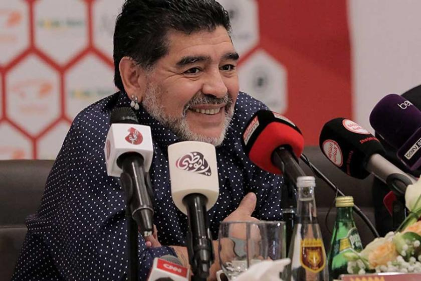 Trump'a kukla diyen Maradona'ya ABD yasağı!