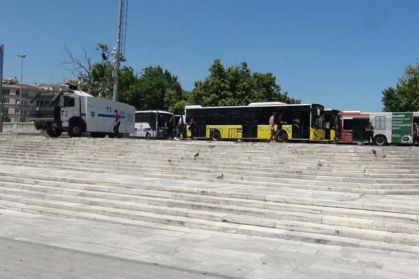 Yürüyüş yasaklandı, Gezi Parkı yaya giriş çıkışına kapatıldı