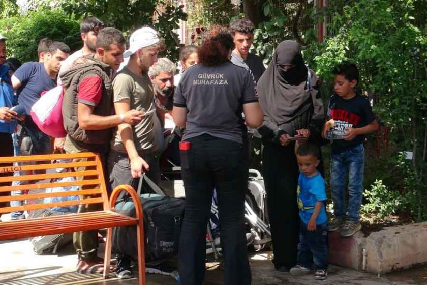 Bayramlaşmaya giden Suriyelilerden 16 bini Türkiye'ye döndü