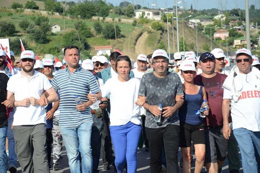 CHP, TRT'nin 'Sözde' ifadesini RTÜK'e şikayet etti