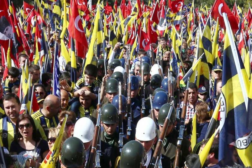 'Fenerbahçe tüm varlığı ile ayaktadır'