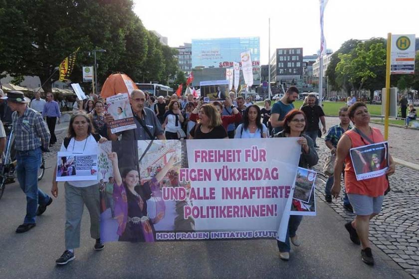 Stuttgart'ta Figen Yüksekdağ'a özgürlük mitingi