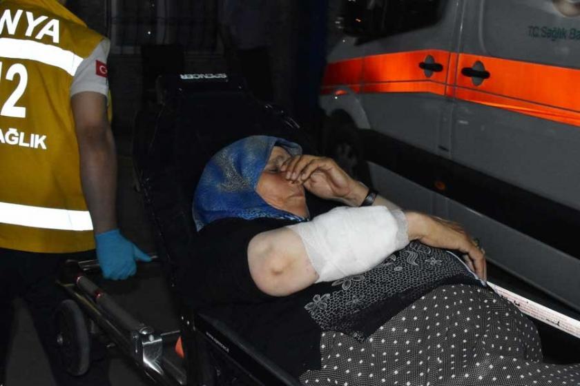 Suriyeli kadın, evinin önünde otururken kolundan vuruldu