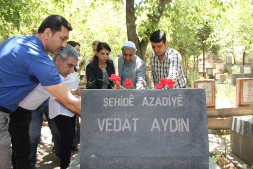 Vedat Aydın mezarı başında anıldı