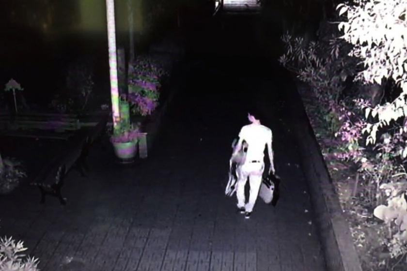 Okula giren hırsız, müdürün dizüstü bilgisayarını çaldı