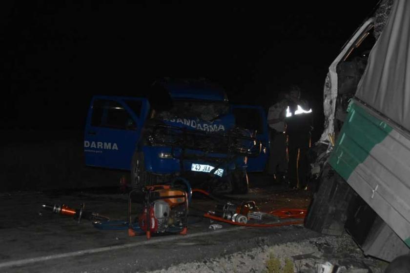Kütahya'da askeri araç kaza yaptı: 1 asker hayatını kaybetti