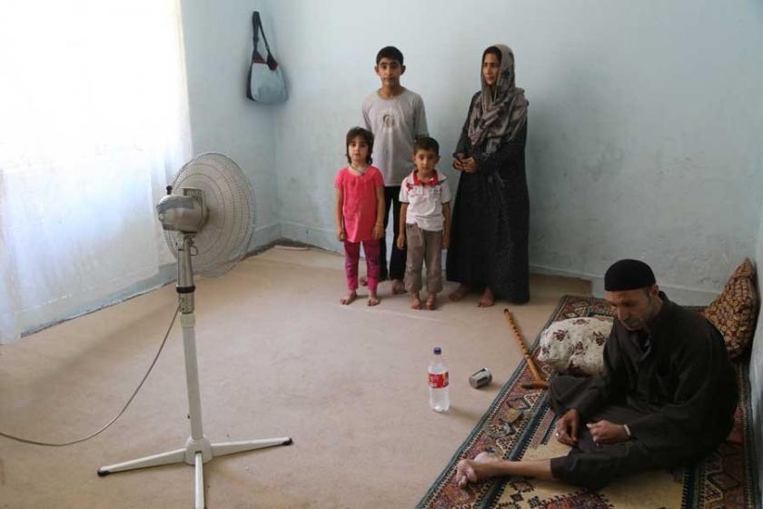 Yıkıntılar içinde yaşayan Suriyelilere 234 TL fatura
